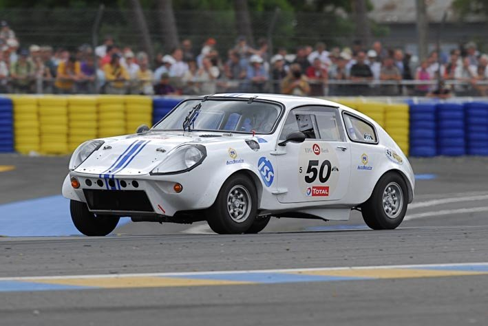 Mini Marcos in the Dunlop Chicane